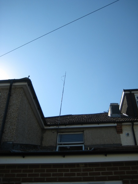 File:HAB tracking dipole on fibreglass pole.JPG